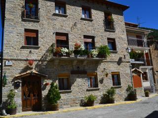 Apartamentos Casa Maza - Aragon vacation rentals