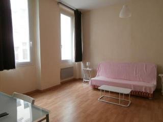 Cheap Downtown Marseille Nice Studio - Marseille vacation rentals