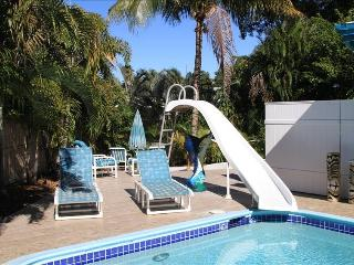 Fun waterfront pool house - Fort Lauderdale vacation rentals