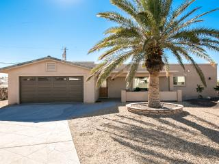 3bed/3bath home w/ Pool, deck & amazing lake views - Lake Havasu City vacation rentals