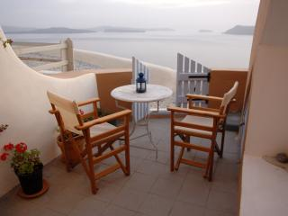 Perfect Villa with Internet Access and Washing Machine - Oia vacation rentals