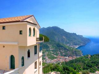 Apartment Emerald in the heart of Ravello - Ravello vacation rentals