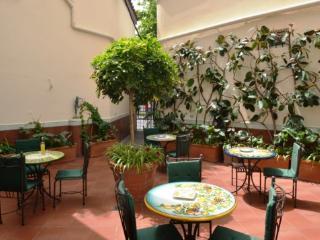 APPARTAMENTO ELISA B - SORRENTO CENTRE - Sorrento - Sorrento vacation rentals