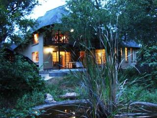 Cozy 3 bedroom Marloth Park Villa with Deck - Marloth Park vacation rentals