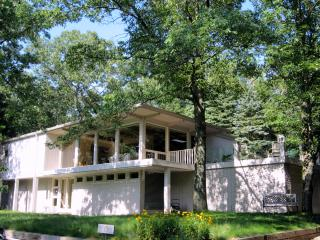 The Dunes House in Beverly Shores at Lake Michigan - Indiana vacation rentals