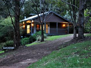 Country Cottage - Ravensbourne vacation rentals