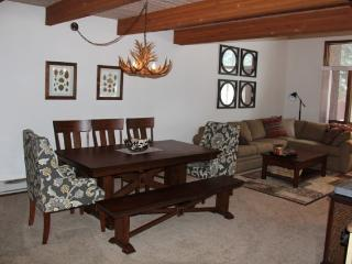 Winterset # 16, Newly redecorated. Central Location Next to Shuttle and Shops. - Mammoth Lakes vacation rentals