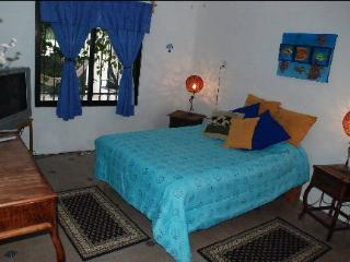 House in Cancun for Vacations, Nice, Cheap, close to beach!!! - Cancun vacation rentals