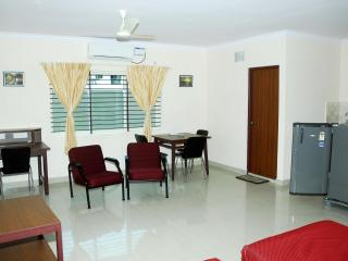 TULIPS HOMESTAY : A/C DELUXE STUDIO ROOM, A 3 - Mysore vacation rentals