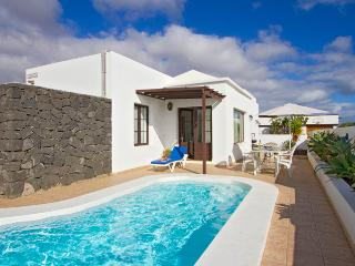 Charming Puerto Del Carmen vacation Villa with Dishwasher - Puerto Del Carmen vacation rentals