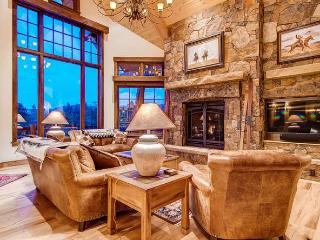 Fox Paw Lodge - ski in/out, pool table, shuttle - Breckenridge vacation rentals