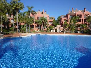 Apartment La Alzambra 01946 - Marbella vacation rentals