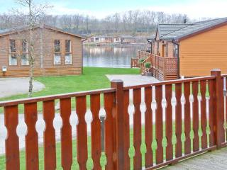 CRAG VIEW LODGE, detached lodge, all ground floor, use of on-site facilities, in South Lakeland Leisure Village, Ref 28139 - Priest Hutton vacation rentals
