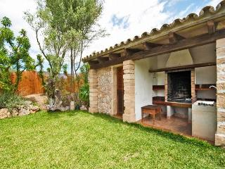 3 bedroom House with Private Outdoor Pool in Puerto de Alcudia - Puerto de Alcudia vacation rentals