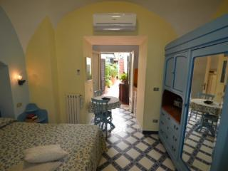 APPARTAMENTO ELISA D - SORRENTO CENTRE - Sorrento - Sorrento vacation rentals