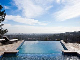 Nice Villa with Internet Access and Dishwasher - Beverly Hills vacation rentals