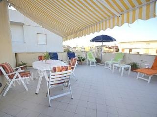 Nice House with Deck and Internet Access in Punta Secca - Punta Secca vacation rentals