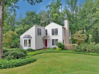 Minutes from UVA; Feel Like You're in the Country - Central Virginia vacation rentals