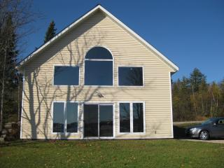 Beautiful Cottage on Lake Bernard - Burks Falls vacation rentals