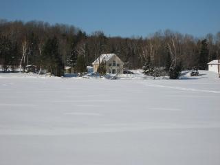 Beautiful Cottage on Lake Bernard - Sundridge vacation rentals