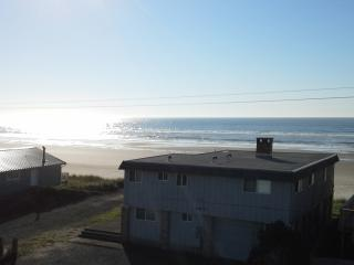 roof top deck with panaoramic ocean view - Oregon Coast vacation rentals