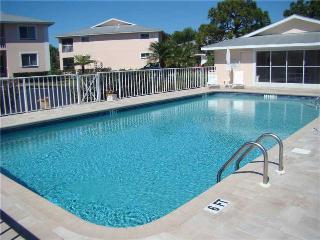 Beautiful Condo with Internet Access and A/C - Englewood vacation rentals