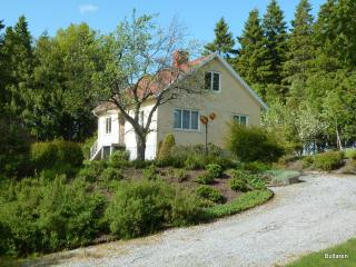 House at the Countryside - West Coast vacation rentals