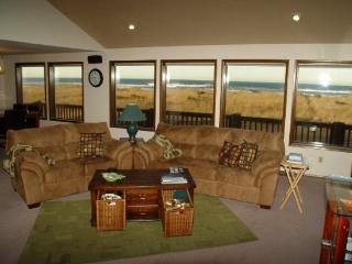 3 bedroom House with Hot Tub in Westport - Westport vacation rentals