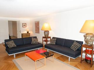 Exclusive Paris Apartment Between Concorde and Madeleine - Paris vacation rentals