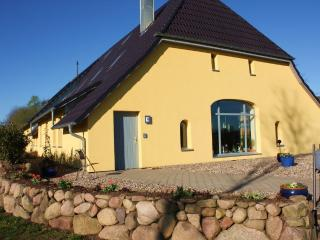 Spacious family-friendly Apartment at Reuterteich - Seedorf vacation rentals