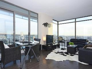 Luxe Yorkville Condo 2 Bdrm at Yonge & Bloor St - Pickering vacation rentals