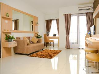 2 bedroom Apartment with Internet Access in Jakarta - Jakarta vacation rentals