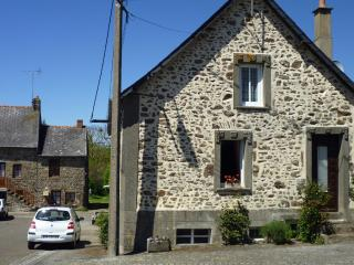 2 bedroom Cottage with Internet Access in Lassay-les-Chateaux - Lassay-les-Chateaux vacation rentals
