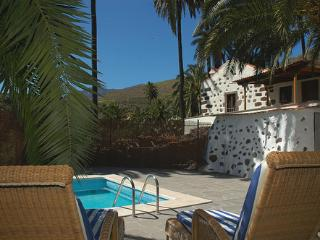 Holiday cottage in Santa Lucía de Tirajana (GC0242) - Santa Brigida vacation rentals
