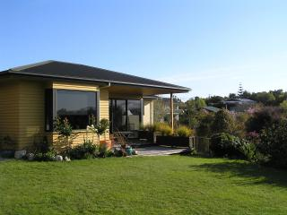 Hazelwood Mapua. Simply Great B&B - Mapua vacation rentals