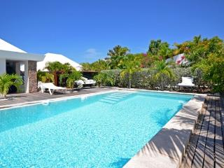 Comfortable Villa with Dishwasher and Safe - Marigot vacation rentals