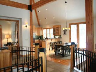 Premier Sunriver Home with A/C and SHARC passes Near North Store - Sunriver vacation rentals