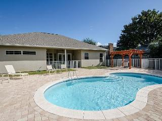 BEACH RETREAT, PRIVATE POOL AND BEACH, CLOSE TO SANDESTIN RESORT, RELAX!!!! - Miramar Beach vacation rentals