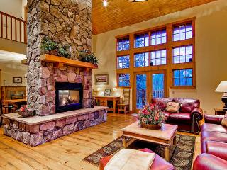 Mountain Lodge at Snowshoe -Private hot tub! - Breckenridge vacation rentals