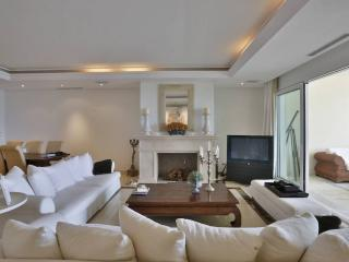 New Golden Mile Apartment - Marbella vacation rentals