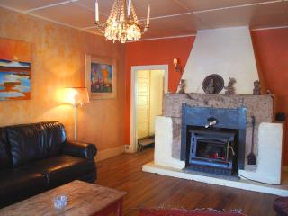 3 bdrm Adobe House on organic goji berry farm. - San Cristobal vacation rentals