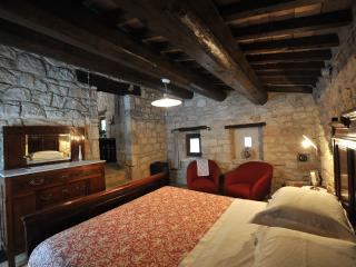 Stones House in  Majella National Park Lucertola M - Abbateggio vacation rentals