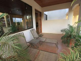 Great 3 Bedroom Penthouse Condo! Shared pool, lots of space LBV9 - Tamarindo vacation rentals