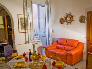 THE BERRIES - Quiet, Comfy, Safe Family House - Bologna vacation rentals