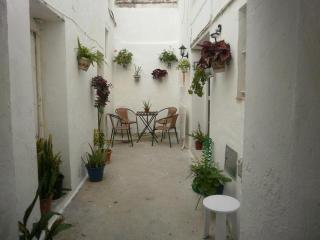España, Andalucíaa, Rota (Cádiz). Cosy renovated townhouse, located in an emblematic street of the town, - San Fernando vacation rentals