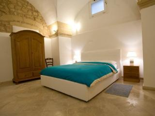 La Bella Lecce: The Duomo Suite - Castromediano vacation rentals