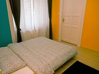 Luxury Studio in the downtown of Budapest - White Boat Yellow - Hungary vacation rentals