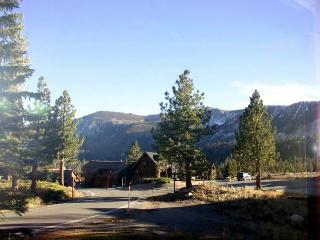 One Bedroom, Walking Distance to Eagle, View! - Mammoth Lakes vacation rentals