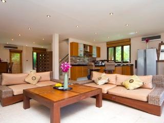 Paradise Pavilion Garden Villa 4 - Surat Thani Province vacation rentals