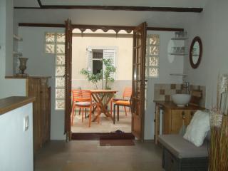 458c99ba-5dbf-11e3-8d67-782bcb2e2636 - Tourrettes-sur-Loup vacation rentals